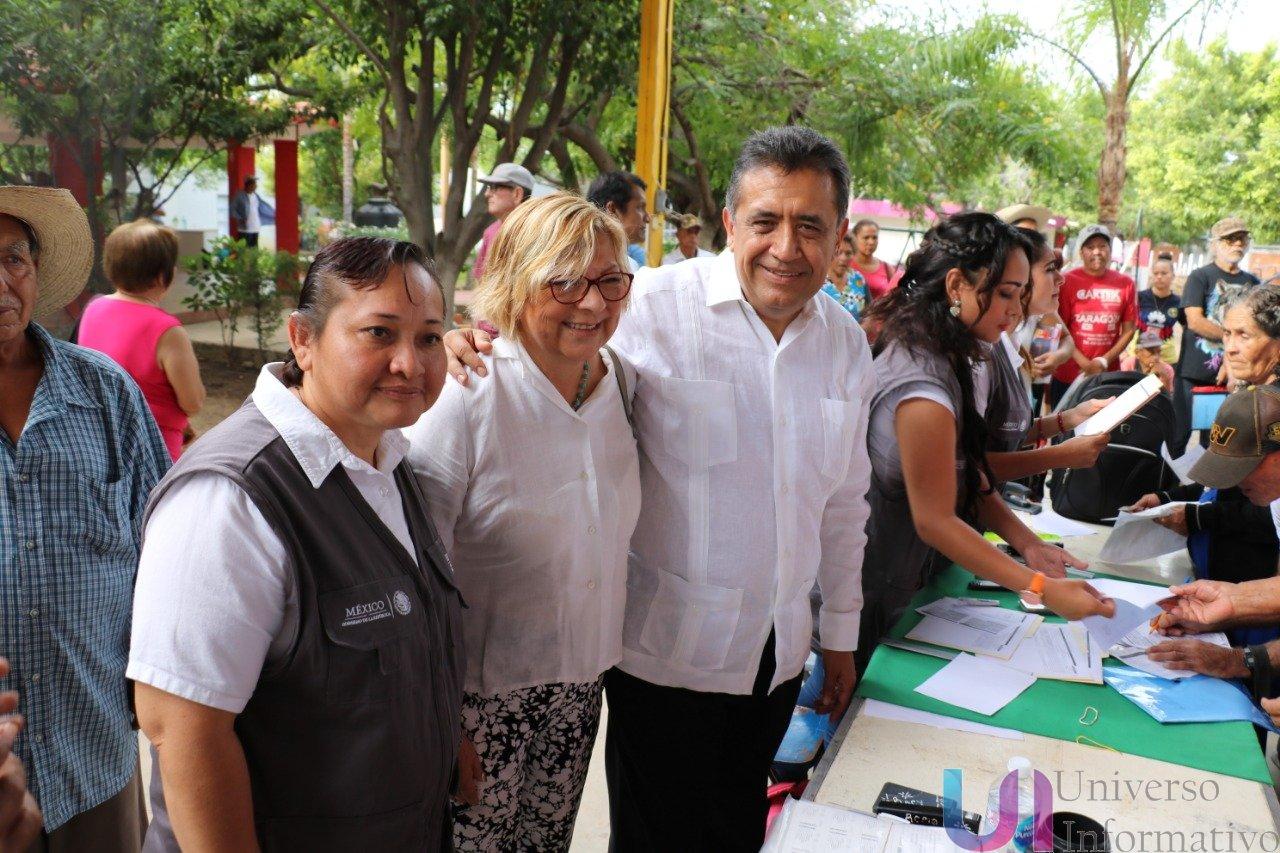 Entregan recursos del Programa de Pensiones para Adultos Mayores