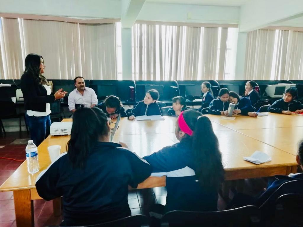 Alumnas de internado La Huerta, promotoras de Agricultura Sustentable