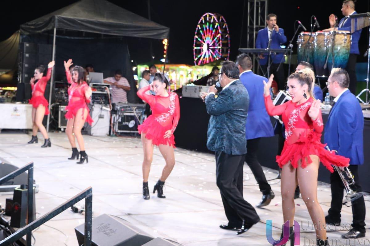 Rayito Colombiano pone a bailar a los Apatzinguenses