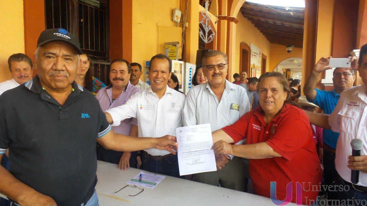Entrega Sedrua a productores del campo, 6 mdp en Tepalcatepec