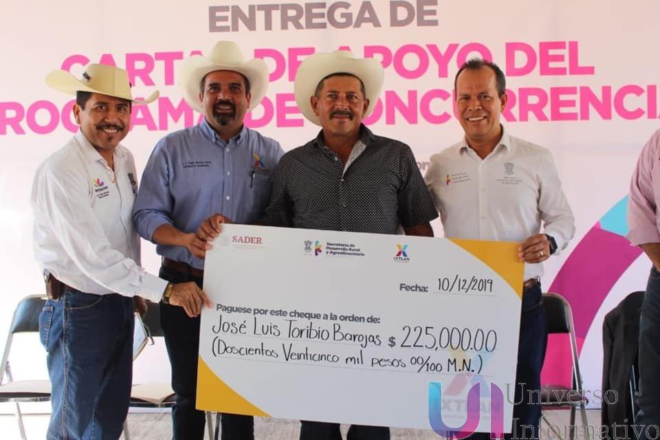 Entrega Sedrua apoyos al campo por 7 mdp en Ixtlán