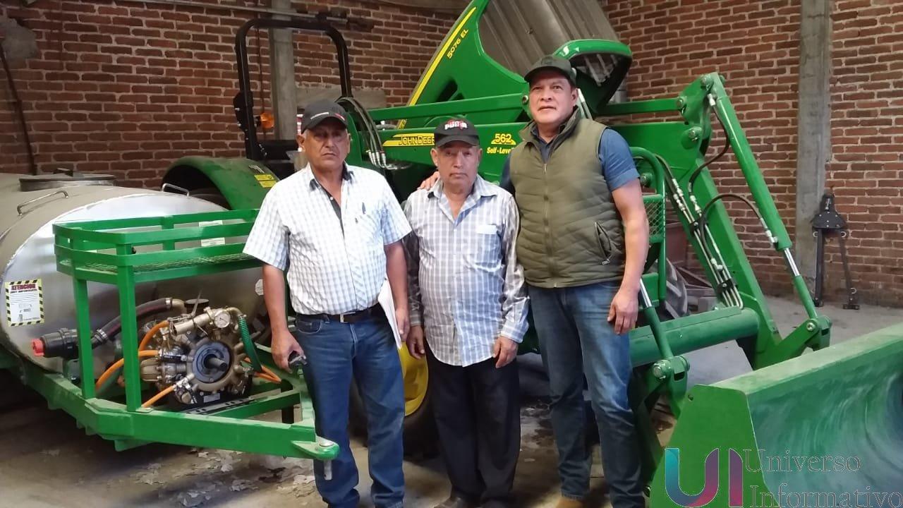 Supervisa Sedrua entrega de maquinaria agrícola en Tancítaro