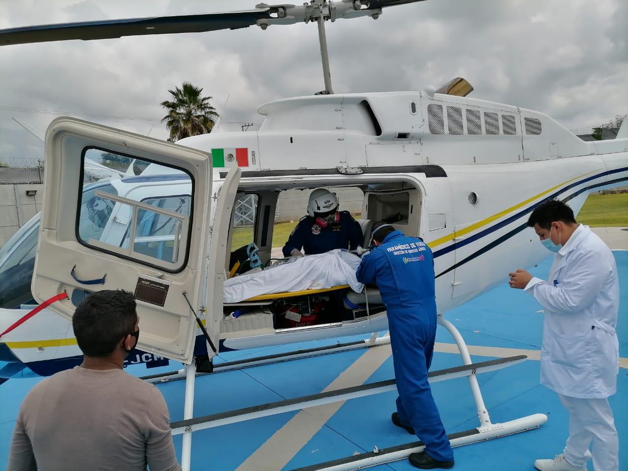 Realiza SSM traslado aéreo de mujer por Código Mayer, de Apatzingán a Morelia
