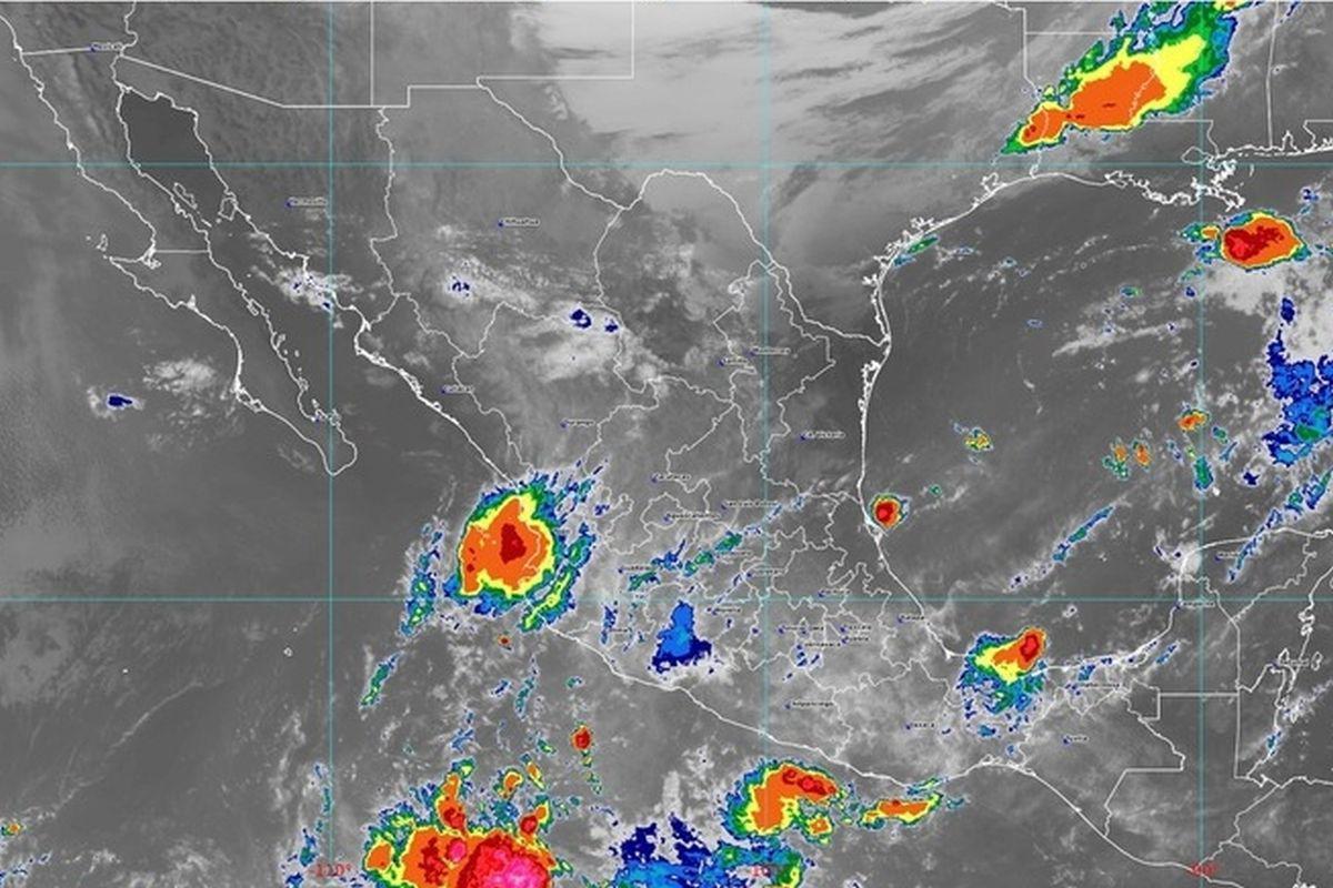 Ante onda tropical 37, pide Segob seguir medidas preventivas por lluvias