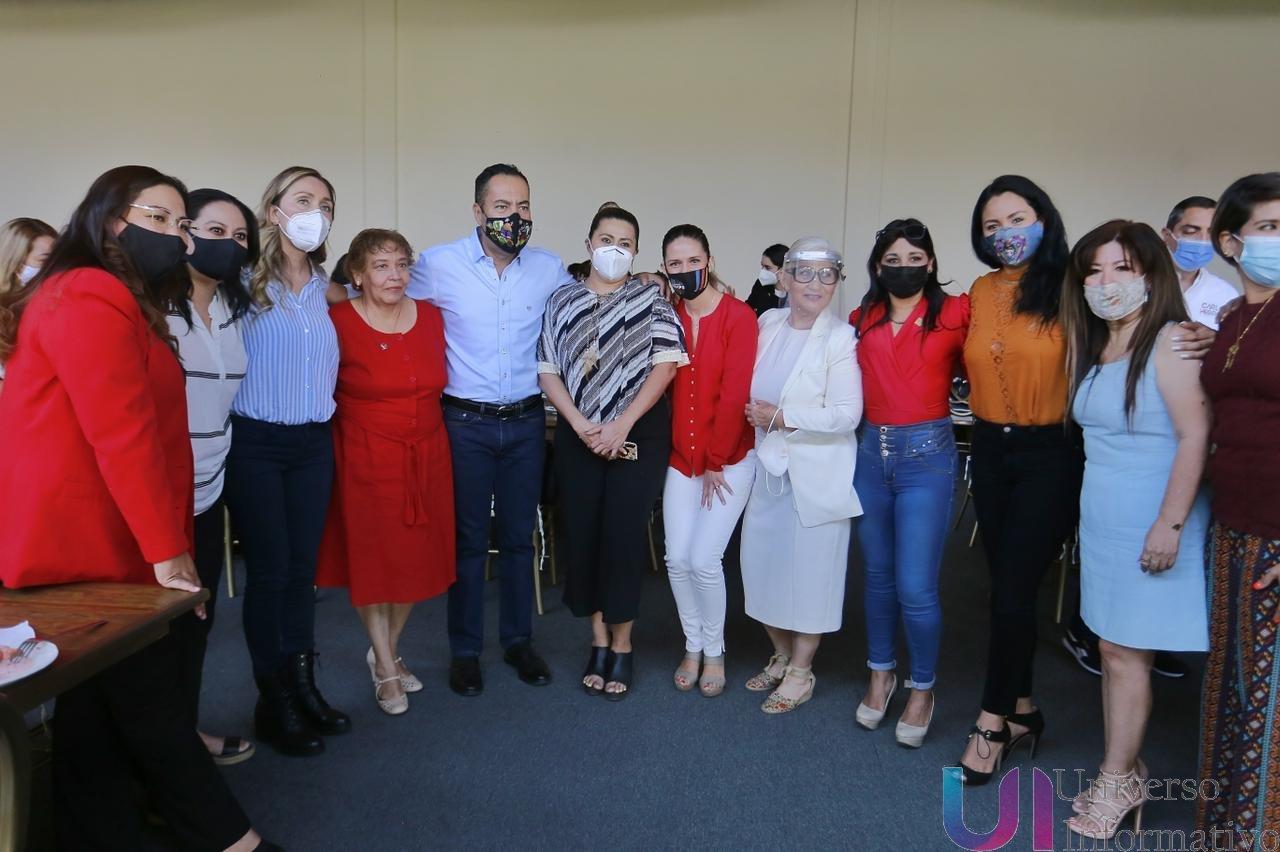 Las mujeres ocuparán el 50% de los cargos en mi gobierno: Carlos Herrera