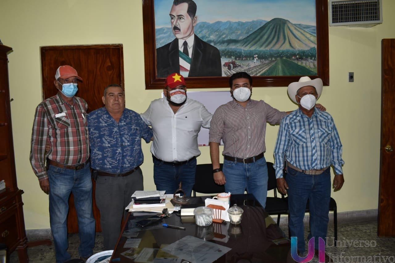 Para que los ganaderos de Apatzingán puedan resurgir, urge devolverles los recursos federales, Paco Huacus.
