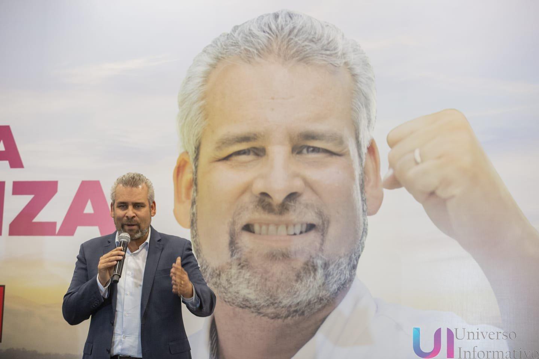 Encuestas dan triunfo a Bedolla en elección de gobernador; pide cuidar el resultado en casillas